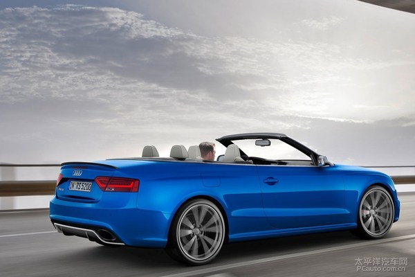 Audi-RS5_Cabriolet